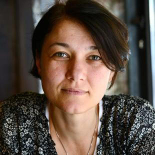 """Среща с Петя Накова и нейната книга """"Годината на осемте химии"""""""