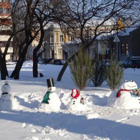 Четящи снежни човеци! Защо не?